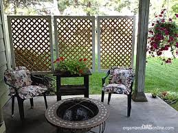 DIY Patio Privacy Screens  Ideas and Tutorials! including from 'organized  chaos',