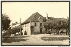 """Résultat de recherche d'images pour """"photo ancienne place de la république hôpital de st yrieix"""""""