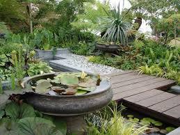 Outdoor Living:Cool Modern Garden Design With Japanese Style Outdoor  Lantern Lighting Small Garden Design