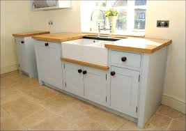 how to cut crown molding for cabinets cutting crown molding angle flat crown molding kitchen cabinet