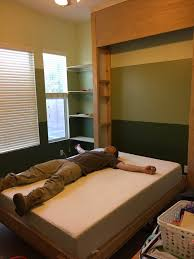 diy wall bed. {Junk In Their Trunk}: DIY Murphy Bed (Wall Bed) Diy Wall