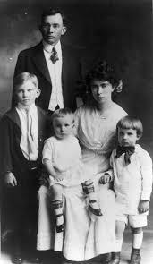 photo essay nixon through the years orange county register richard nixon right his parents frank and hannah and siblings circa 1917