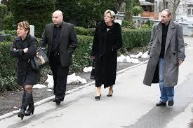 Pohřeb Bývalého Majitele Discolandu Ivana Jonáka Nechyběl Vdovec Po