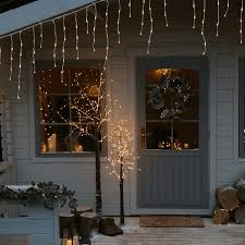 How To Fasten Christmas Lights To House How To Install Christmas Lights On A House