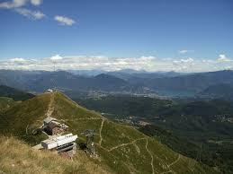 Vanaf hier heeft u een prachtig uitzicht. Pradecolo Monte Lema