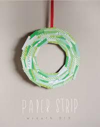 simple paper strip wreath diy