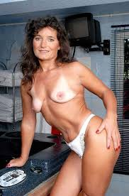 Real amateur mature thumbs