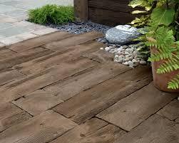 Piastrella In Legno Per Esterni : Pavimentazione giardino pavimento per esterni come scegliere