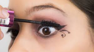 how to apply gothic eye makeup