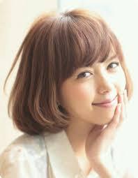 面長顔の髪型 ショートボブが似合うアレンジ方法を伝授 人気髪型