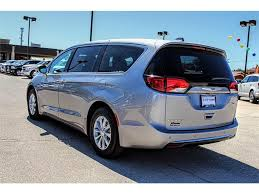 2018 chrysler pacifica. delighful pacifica new 2018 chrysler pacifica touring on chrysler pacifica