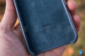 apple iphone 8 official leather case review