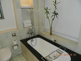 itc mughal agra a luxury collection hotel bathroom bathtub