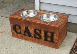 Introduction: Pallet Wood Dog Bowl Stand