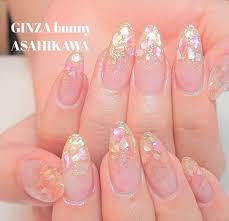 Ginza Bonny旭川店さんのネイルデザイン ピンク系シェルをのせた