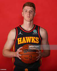 Kevin Huerter of the Atlanta Hawks poses for a portrait during media...  Nachrichtenfoto - Getty Images