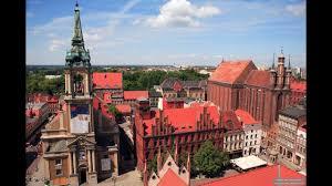La ville de gdansk a offert un chaleureux accueil aux migrants et aux réfugiés. Torun La Ville Polonaise La Plus Riche En Monument Du Moyen Age Pologne 2016 Youtube