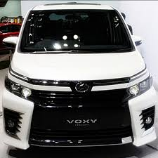 2018 toyota noah. 2018 toyota launches redesigned voxy and noah a