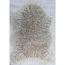 gray fur rug best gray faux fur rug for wondrous indoor floor decor grey fur rug