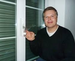 Die Erste Zertifizierte Kindersicherung Für Fenster Linz