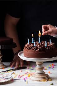 La ley del estado de alarma suprimirá los cumpleaños en 2021.