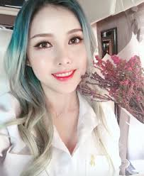 pony is a makeup artist from south korea she has you channel on which uploads tutorials