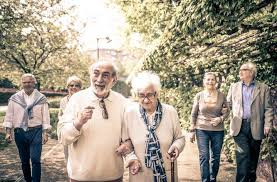 The average cost for senior women ranges from $28 to $85, while the cost for senior men ranges from $38 to $116. Best Final Expense Insurance Plans Reviews Burial Insurance Pro