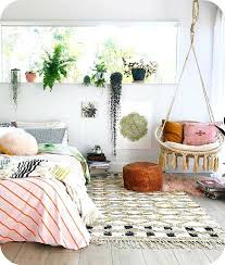 small bedroom decorating ideas with