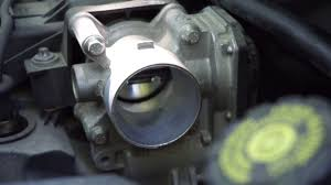Throttle <b>MAP Sensor</b> Cleaning <b>Renault</b> Clio 3 - YouTube