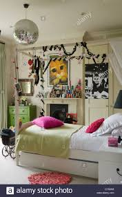 Delightful Bedroom:Single Four Poster With Fairy Lights In Teenage Girls Bedroom  Expert Picture Design 100