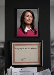 Employee Of The Month Photo Frame Why Should People Be Nominated For Employee Of The Month Woman
