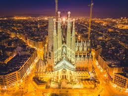 Learn about the inspiration and original design of the building. Antoni Gaudi The Creative Madman Behind La Sagrada Familia