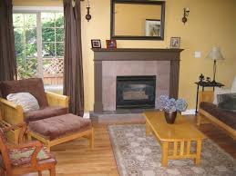 living room before with fireplace