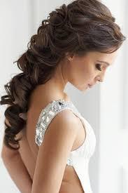 Coiffure Cheveux Bouclés Pour Un Mariage