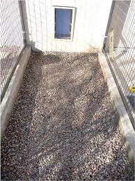 the best dog kennel flooring 6 to 8 inches of 1 2 inch round