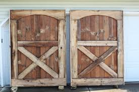Vintage Style Reclaimed Wooden Barn Doors For Homes With White Ceiling  Painted As Decorate In Rustic Interior Designs