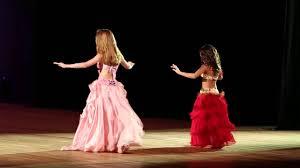 Estudando sua origem, descobrimos que a dança do ventre tem um caráter de ritual sagrado além de seu aspecto folclórico e sua forma tradicional (baladi). Moderna Infantil 5º Festival Escola De Danca Do Ventre Rosi Cruz 2014 Youtube