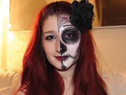 as weekend es to an end for another year i wanted to share with you a quick and easy half face glam sugar skull makeup tutorial