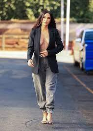 Megan Fox becomes a no bra with a ...