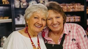 Miss Myra's Pit Bar-B-Q family remembering 'Banana Pudding Queen' Rennae  Wheat | CBS 42