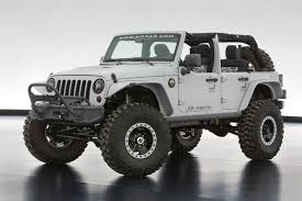 the jeep wrangler mopar recon includes a number of mopar applications externally including front and rear half door and window kits front and rear