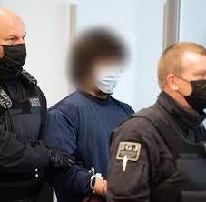 Drei menschen sterben bei messerattacke in würzburg. Dresden Mordprozess Um Messerangriff Anklage Fordert Lebenslang Welt