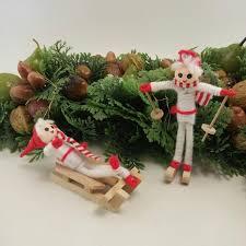 Jahrgang Christbaumschmuck Set Von Zwei Tuch Skifahrer Und Bobfahrer Weihnachtsdekoration Rot Und Weiß Skifahrer Geschenk Wichtelgeschenk