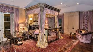 Rock N Roll Bedroom Slash Selling Home For 11 Million Pret A Reporter