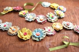 Paper Flower Garlands Paper Flower Garland Idea That You Can Easily Decorate Your