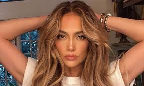 Jennifer lopez is considered one of the most influential latin actresses and singers in the u.s. Jennifer Lopez Posts About Love Amid Ben Affleck Date Photos Hello