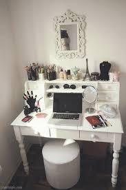 Makeup / mirror/ workstation girl makeup desk office organize organization  make-up organizing organization