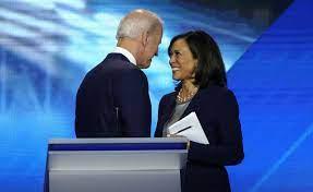 Biden kiest senator Kamala Harris als ...