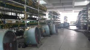 The bitcoin mining network hashrate dropped 30% after a coal mining accident has halted a coal mine explosion in china has allegedly caused a massive drop in bitcoin's total mining power. China Hates Bitcoin Miners Could Cut Their Electricity Off Tweaktown