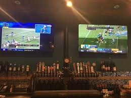 round table clubhouse on dual inch hdtvs